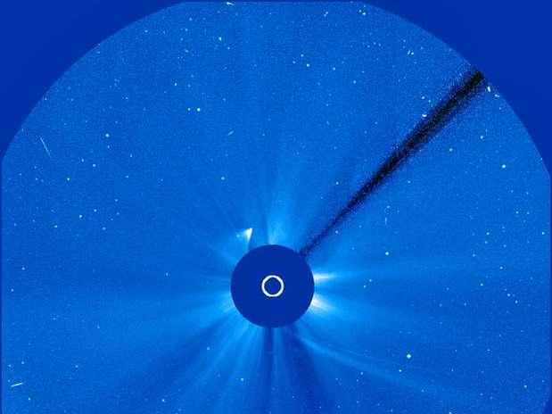 O cometa Ison, ansiado objeto de desejo dos cientistas, parece ter se desintegrado em sua viagem ao redor do Sol Foto: Nasa / Reprodução