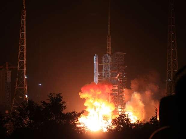 China lança sonda em direção à Lua Foto: AP