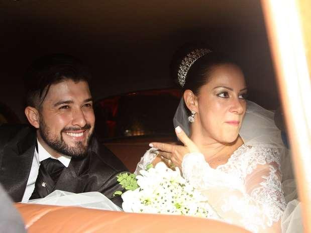 http://p2.trrsf.com/image/fget/cf/67/51/images.terra.com/2013/12/07/casamento-silvia-abravanel.JPG