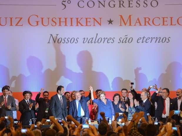 Dilma e Lula (centro) foram as personalidades centrais do 5º Congresso do PT, em Brasília Foto: Fabio Rodrigues Pozzebom / Agência Brasil