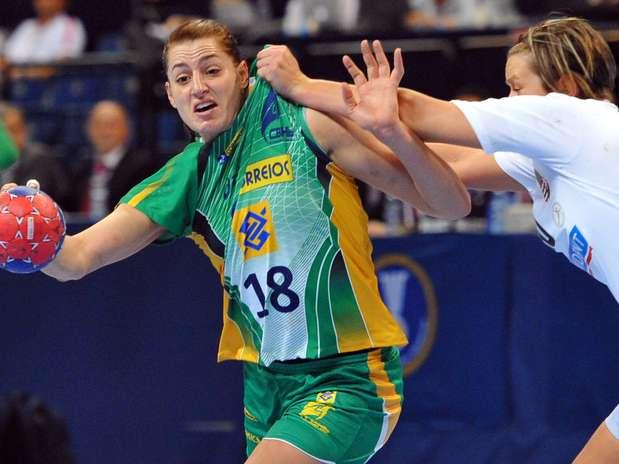 Melhor do Mundial, Duda é a jogadora mais alta do Brasil e foi campeã europeia nesta temporada Foto: AFP