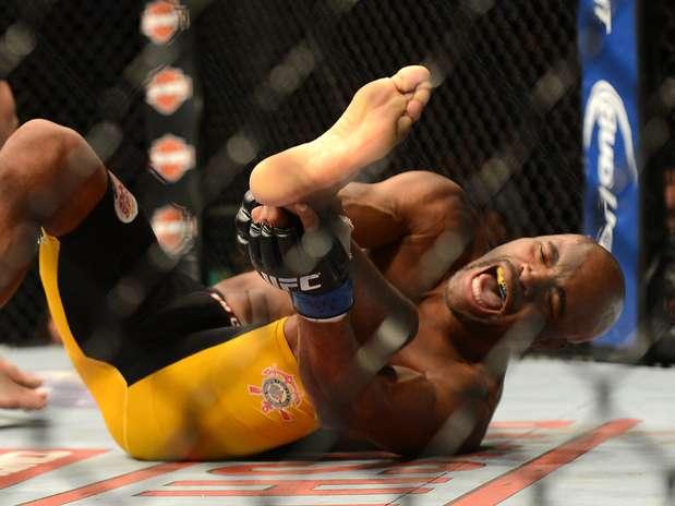 Anderson Silva fraturou perna em luta com Chris Weidman Foto: Reuters