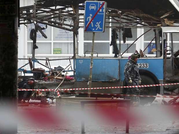 Explosão na manhã desta segunda-feira em um ônibus elétrico em Volgogradodeixou mortos e feridos Foto: AP