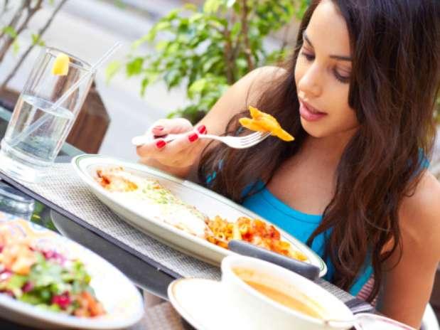 Estudo confirma que comer devagar pode ajudar na perda de peso