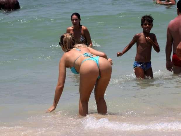 Veridiana Freitas Que Foi Capa Da Playboy Quase Mostrou Demais Ao