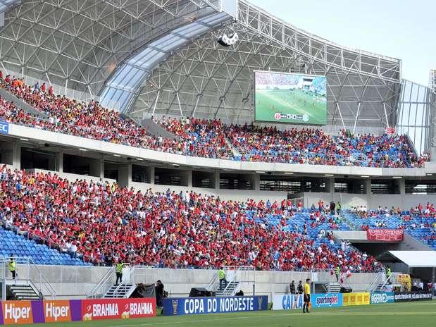 Torcida comparece à inauguração da Arena das Dunas, estádio que será sede da Copa do Mundo de 2014 Foto: Frankie Marcone / Futura Press