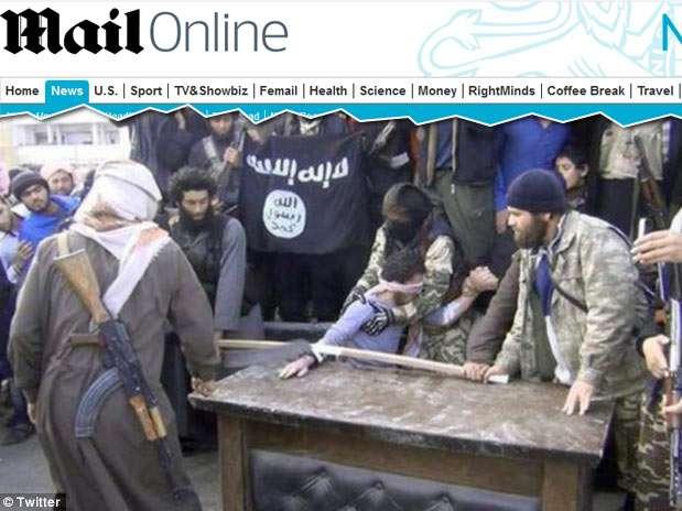 Extremistas sírios cortaram a mão direita de um acusado de roubo e transmitiram a punição ao vivo Foto: Daily Mail / Reprodução