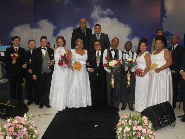 Cinco casais participaram da cerimônia Foto: Divulgação