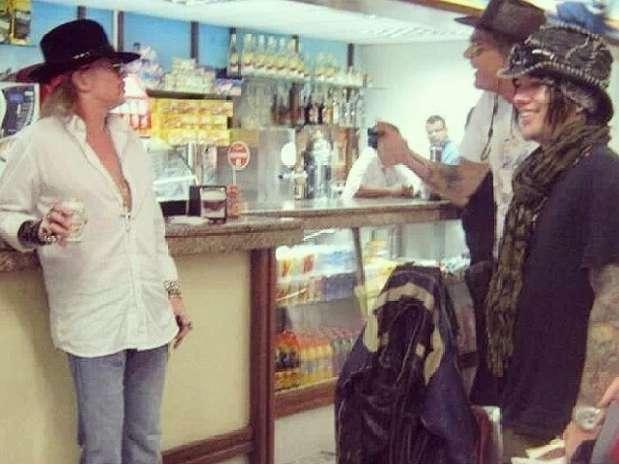 Axl Rose e integrantes do Guns N' Roses Foto: @midiorama/Instagram / Reprodução