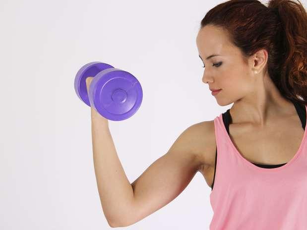 Levantar peso na academia pode aumentar risco de glaucoma