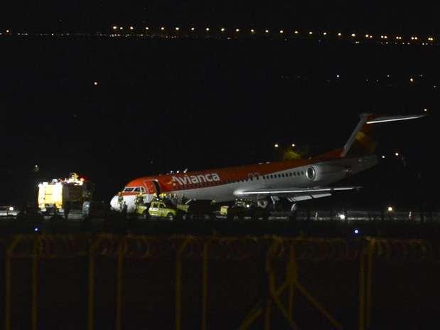 Um avião da companhia Avianca fez um pouso forçado no Aeroporto Internacional Juscelino Kubitschek Foto: José Cruz / Agência Brasil