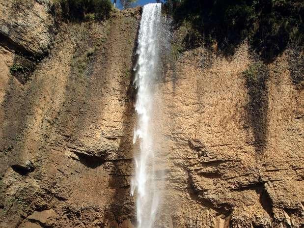 http://p2.trrsf.com/image/fget/cf/67/51/images.terra.com/2012/08/06/saltao1.JPG