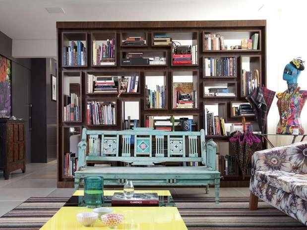 http://p2.trrsf.com/image/fget/cf/67/51/images.terra.com/2012/08/08/estante1ced.jpg