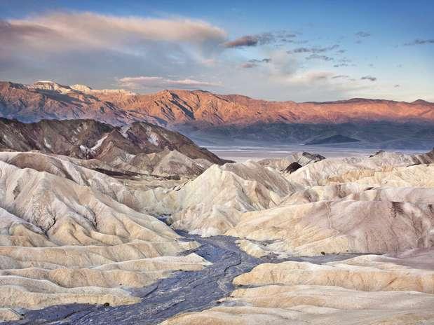 http://p2.trrsf.com/image/fget/cf/67/51/images.terra.com/2012/09/14/vale-da-morte.jpg