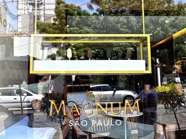http://p2.trrsf.com/image/fget/cf/67/51/images.terra.com/2012/10/04/04102012lojamagnum0208.JPG