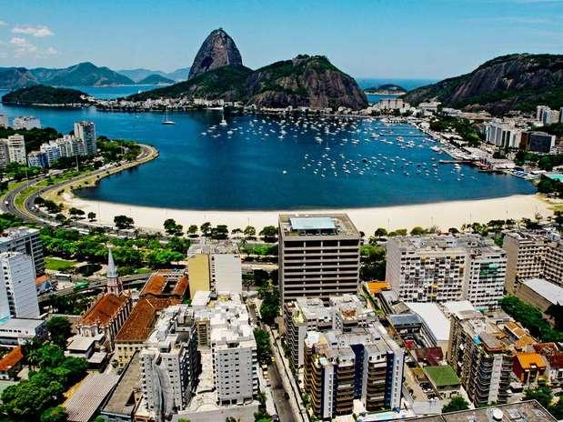 http://p2.trrsf.com/image/fget/cf/67/51/images.terra.com/2012/11/12/1-rio-de-janeiro.jpg