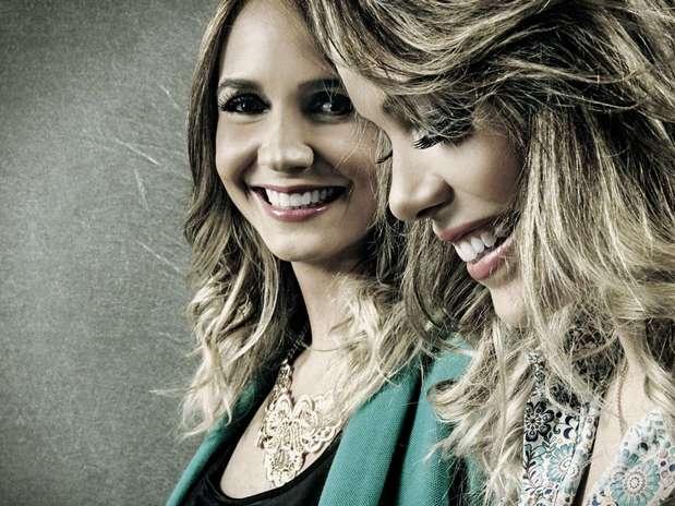 Bruna & Keyla foram descobertas no concurso Mulheres Que Brilham e estão lançando seu primeiro CD com uma gravadora Foto: Facebook / Reprodução