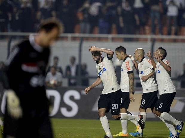 Com gols de Romarinho e Danilo(foto), Corinthians fez 2 a 0 e selou título no Pacaembu Foto: Ricardo Matsukawa / Terra