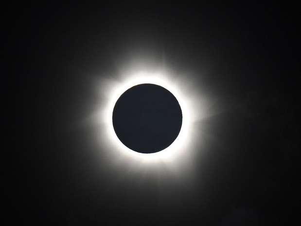 Eclipse solar total pôde ser visto na Austrália em novembro de 2012, o primeiro do tipo na região em 1,3 mil anos Foto: AFP