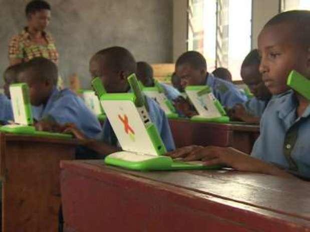 Projeto Um Laptop por Criança já levou 200 mil computadores portáteis a mais de 400 escolas do país Foto: BBCBrasil.com