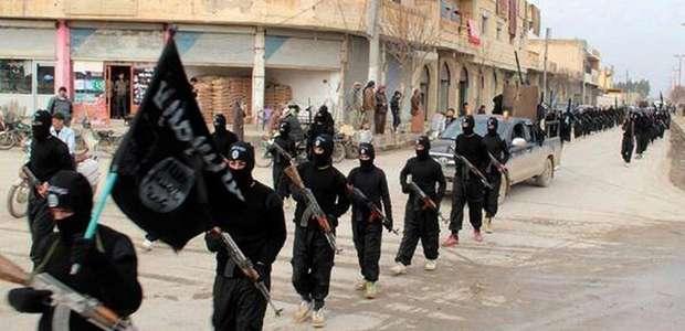 Avanço do EI na Síria leva à fuga de 130 mil curdos