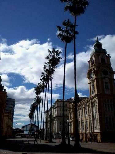 17 de setembro - Após enfrentar calor e chuva, Porto Alegre tem dia ensolarado de inverno, com temperaturas entre 10º e16ºC