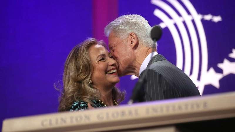 Bill Clinton Seria Viciado Em Sexo Por Ser Vítima De Abuso
