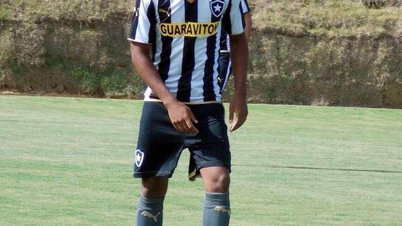 f7d4273008 Destaque da base do Botafogo quer ter mais chances nos profissionais