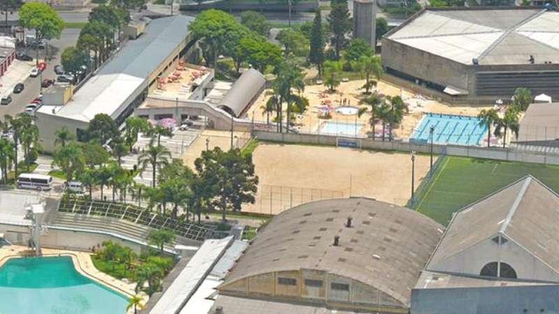 Adeus piscinas paran reduz social e admite vender kennedy for Piscina kennedy