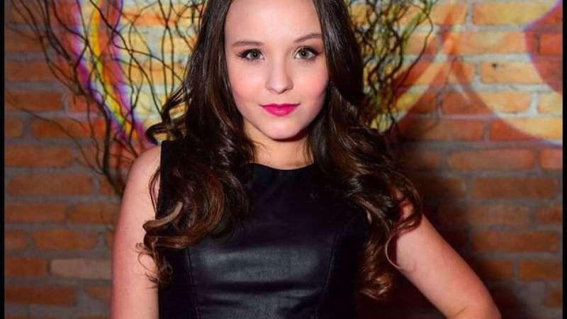 Larissa Manoela já negocia carreira internacional   Falta atuar em  Hollywood  9554855951