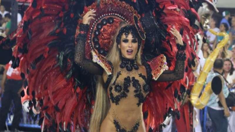 63eb63c467e7f Musa no Carnaval