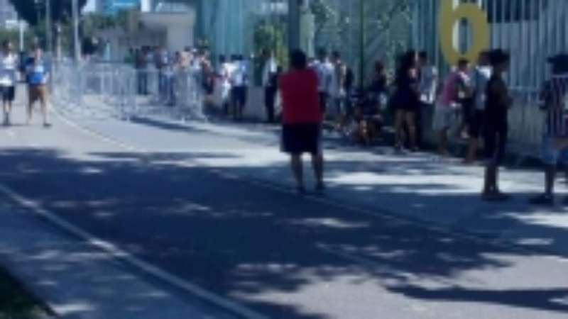 01764b0842 Reencontro com a LDU  Torcida do Fluminense forma fila por ingressos
