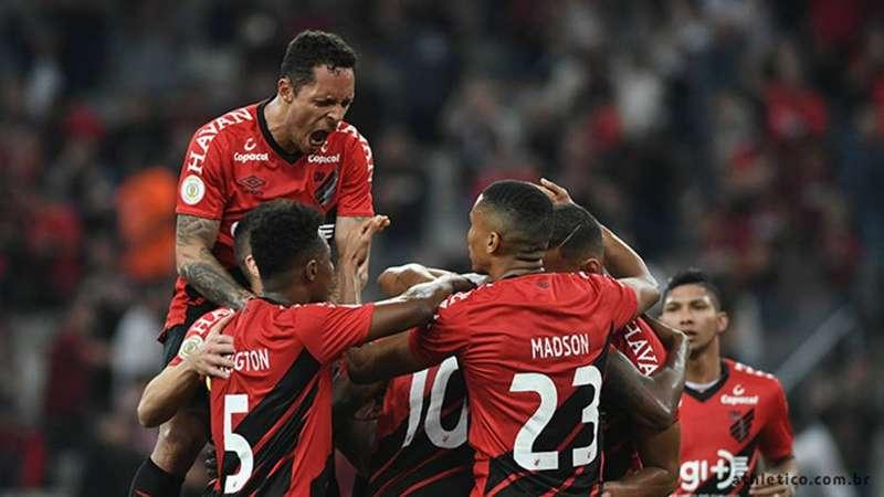 Athletico-PR ganha com gol de Cirino e quebra sequência invicta do Atlético-MG
