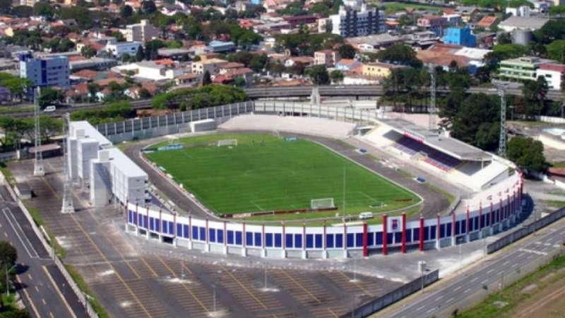 Na Vila Capanema, Paraná busca 'colar' em rival no G4 diante do Vitória - Terra