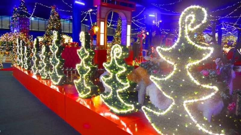 Comemorado Duas Vezes, Natal Em Holambra é Referência No País