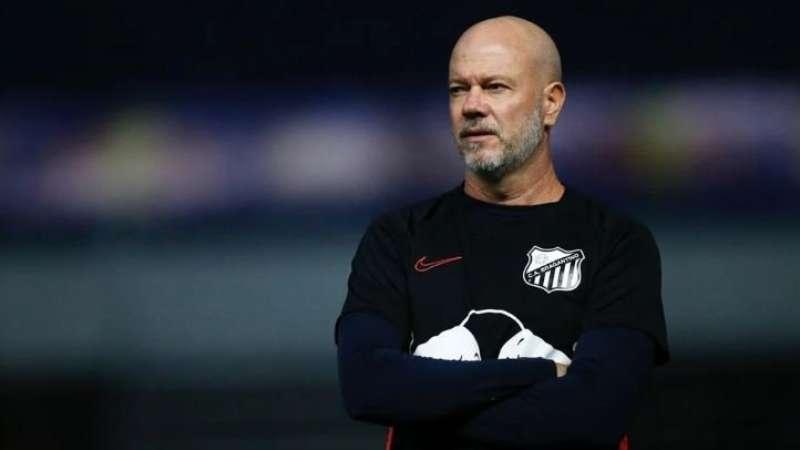Zago deixa o Bragantino e é anunciado pelo Kashima Antlers