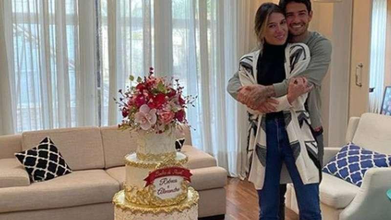 Pato e Rebeca Abravanel comemoram aniversário de casamento – Terra