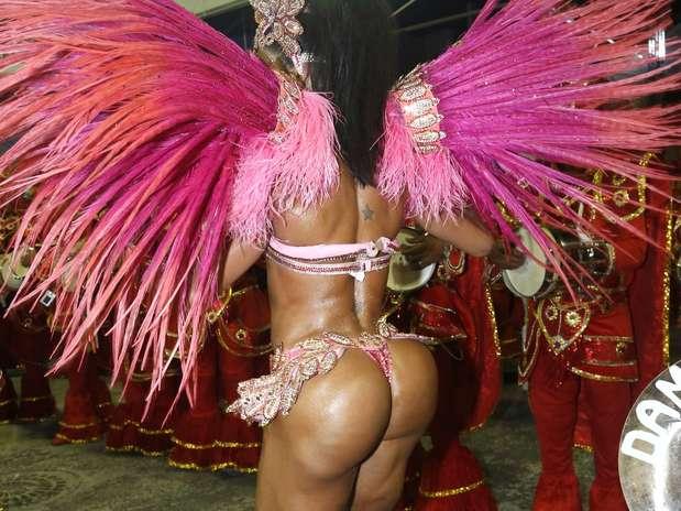 Gracyanne é conhecida por ser adepta da malhação e valorizar o corpo sarado Foto: Roberto Filho / AgNews