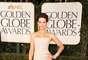 Kate Beckinsale dejó a más de uno sin aliento con un vestido strapless de Roberto Cavalli. El vestido en Chifón llevaba detalles en lentejuelas. La actriz británica complementó su look con puños metálicos y maxipendientes.