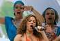 Renascer es una escuela de samba pequeña, recién ascendida a la categoría de elite del carnaval carioca, que va a dedicar su desfile de este año al artista plástico brasileño Romero Britto, amigo personal de Travolta y Shakira, explicó Pereira.