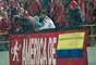 La lluvia no perjudicó la asistencia de público al estadio de la 57 en Bogotá y América otra vez lució como local en El Campín y sirvió para que se llevara una importante victoria en el último minuto para meterle más dramatismo a su visita a la capital