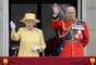 Mediante un desfile militar, que data de hace casi 300 años, la familia real festejó este evento.