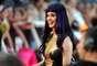 """Katy Perry fue una de las celebridades que más llamó la atención en la alfombra roja de los premios Much Music que se llevaron a cabo este fin de semana en Toronto. La intérprete de """"Part Of Me"""" asistió junto a un grupo de """"minis Katy Perry"""", niñas vestidas y maquilladas de acuerdo a los diversos looks que ha usado la estrella en su carrera."""