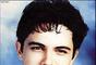 """Alejandro Sánchez Pizarro, quien nació el 18 de diciembre de 1968 en Sevilla, España, aprendió a tocar la guitarra a temprana edad, pues por sus venas corría la sangre artística, que heredó de su padre Jesús Sánchez Madero, destacado músico en varias bandas, una de ellas se llamaba """"Los 3 de la Bahía""""."""