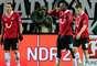 El Hannover se quedó con los tres puntos gracias a dos goles de Szabolcs Huszti y uno de Mame Biram Diouf.