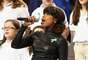 La popular cantante Jennifer Hudson se lució con su actuación durante la apertura del Super Bowl número XLVII. Una falda blanca ceñida y una blusa negra revelaron su femenina silueta que sin duda demuestra lo bien que se cuida.
