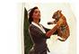 """Kate Upton e Irina Shayk protagonizan una particular sesión de fotos para Harper's Bazaar. Se trata de """"The Animal Nursery"""" en donde estas guapas chicas posan con looks Armani, Chanel, Alexander Wang y Dolce&Gabbana de la próxima temporada. Destacan especialmente los bellos cachorros de monos, tigres y leopardos."""