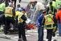 Según un reporte de El País, fuentes implicados en la organización del evento deportivo, señalaron que las dos bombas que estallaron eran de fabricación casera y estaban entrela basura.