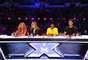 Luego de confirmarse su fichaje como jueza del famoso programa 'The X Factor' en Estados Unidos, Paulina Rubio se ha sumergido por completo en su nuevo proyecto televisivo, tal como lo revelan las primeras imágenes difundidas por las redes sociales de la diva del pop latino debutando en el set del reconocido show de canto.