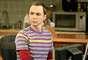 Jim Parsons es el dr. Sheldon Cooper.